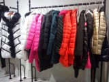 现代女性秋冬品牌折扣库存尾单批发女装羊绒大衣打底衫衣羽绒服