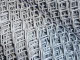 销售球场勾花护栏网 体育场围栏网 勾花网