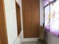 五里牌国际大厦路口政务中心单位院内精致三室二厅
