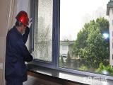 西安玻璃门窗安装维修 不锈钢门窗维保 优品美屋