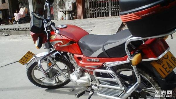 钱江125摩托车卖