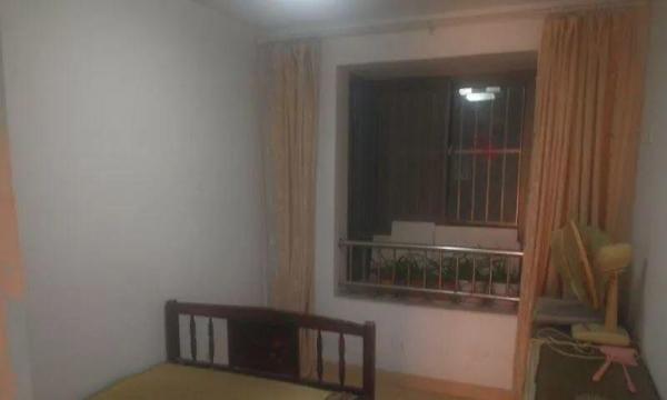 新光小区 两室简单装修 拎包即住