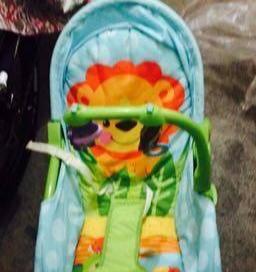 转让闲置美国品牌费雪99新婴儿玩具摇椅睡床