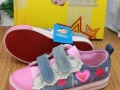 成都王歌鞋业10元起 男女鞋 品牌童鞋大量低价批发