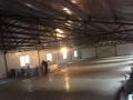 后八里农贸大厅西侧 仓库
