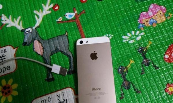 苹果5  三网通