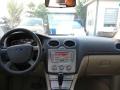 福特 福克斯三厢 2012款 三厢经典 1.8 自动 基本型