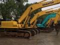 二手低价售卖的小松挖掘机120价格