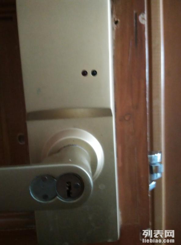呼和浩特开锁2527110,专业开俢保险柜防盗门汽车锁