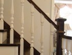 实木白色楼梯立柱 上海实木楼梯厂家设计 别墅家庭定制实木楼梯