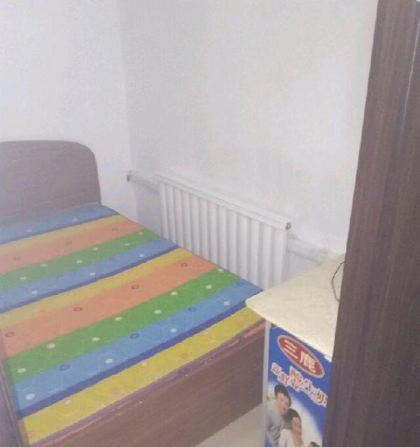 鸿福花园 5室1厅1卫