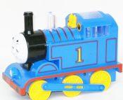 厂家直销 中号电动火车 发光会动眼睛托马斯火车头 电动玩具火车