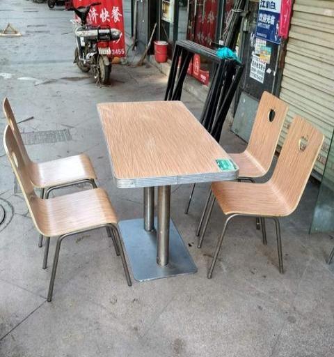 转让很新的餐桌椅12套每套300