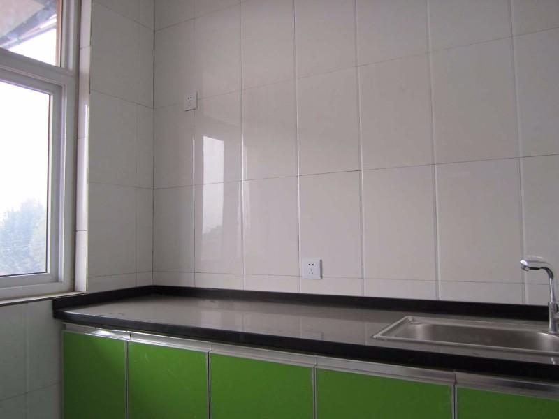 整套豪装新房两室一厅一厨一卫一阳台拎包住