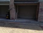 金湖人家超大汽车库车库门口还有大片的空地可以停车