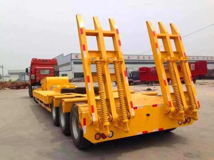 梁山挂车 挖掘机运输车 10米-13米勾机板