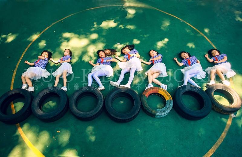 刷爆朋友圈!超有创意 超有爱的一组南京中小学生创意毕业照!
