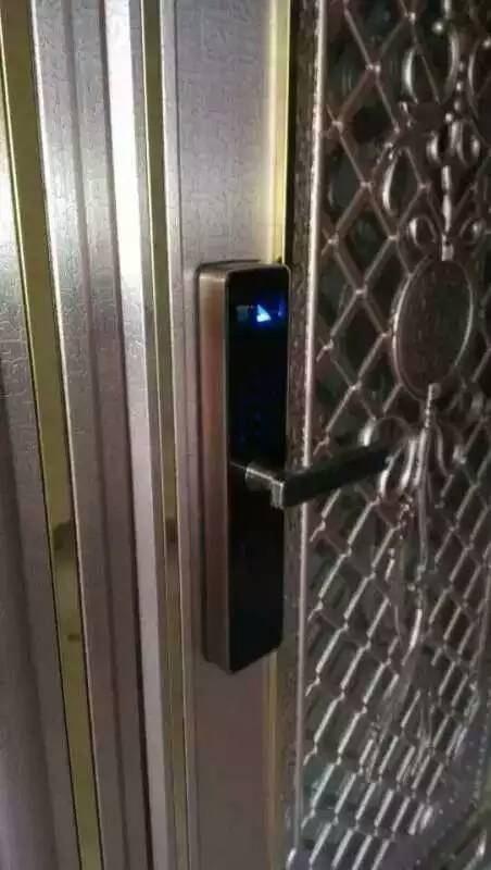 东莞开锁公司电话 东莞开锁24小时 东莞开锁电话 汽车怎么开