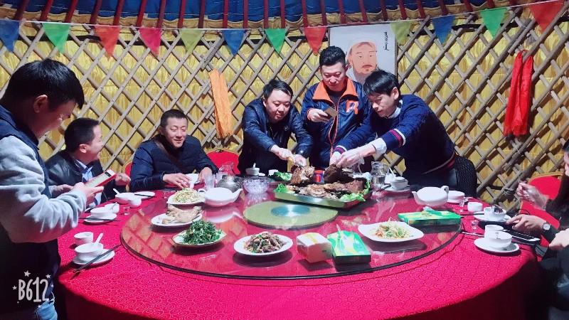 深圳一天游景点推荐特色蒙古包烤全羊