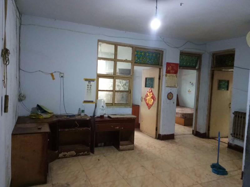 火车站,农大两室一厅,全套家具,带车位 2室 1厅