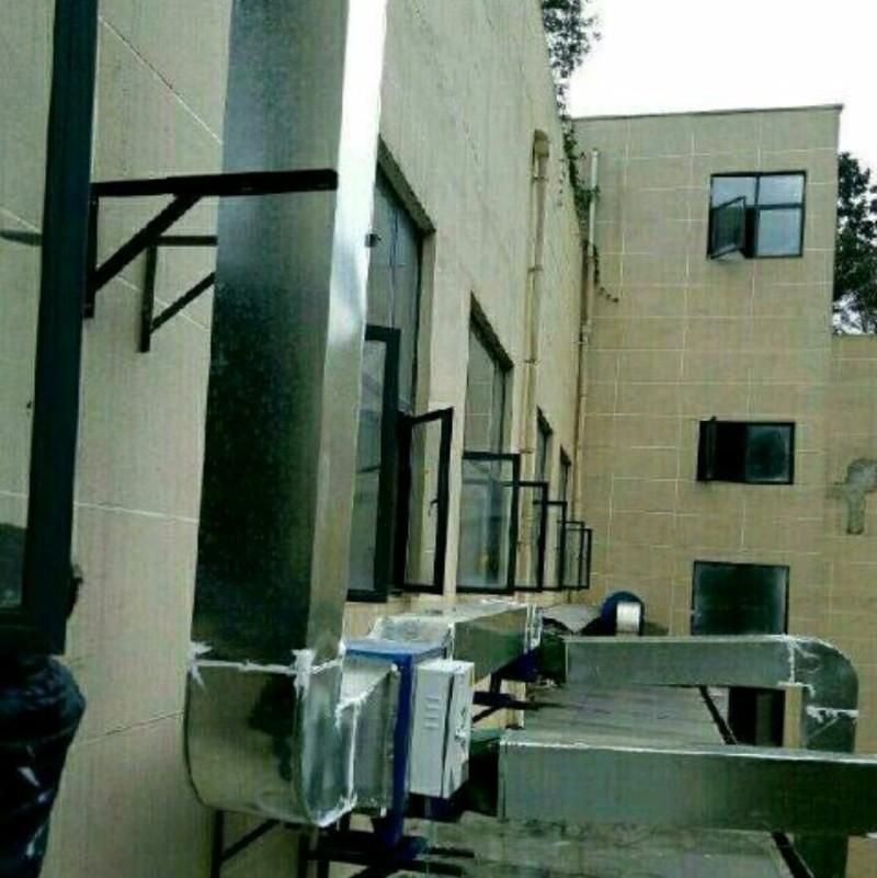 贵阳专业制作安装酒店,餐馆饭店吸烟罩,抽油烟罩,通风管道