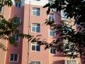 湖光花园4楼中等装修3室2厅2卫1500/月