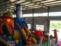儿童城堡充气滑梯大型蹦蹦床碰碰车钢架蹦极旋转飞车小飞鱼沙滩池