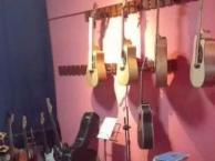 培训吉他、爵士鼓、非洲鼓、卡宏鼓、二胡、口风琴等
