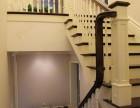 品家定制简约实木楼梯 别墅楼梯白色楼梯立柱款式 家庭楼梯装修