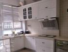 风尚国际豪华装修三室房急租,带家具家电,房子温馨可爱。