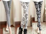 2014新款韩版女装打底裤复古千鸟格印花九分裤 牛奶丝涂鸦打底裤