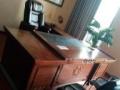 红木色班台书柜老板桌椅