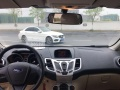 福特 嘉年华三厢 2010款 1.5 手动 光芒限定版美女开的车