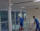 提供開荒保潔,地板打蠟,公司保潔,小時工,刮玻璃。