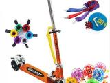 儿童闪光轮折叠三轮滑板车都市爬爬虫摇摆车全金属滑行车童车踏板