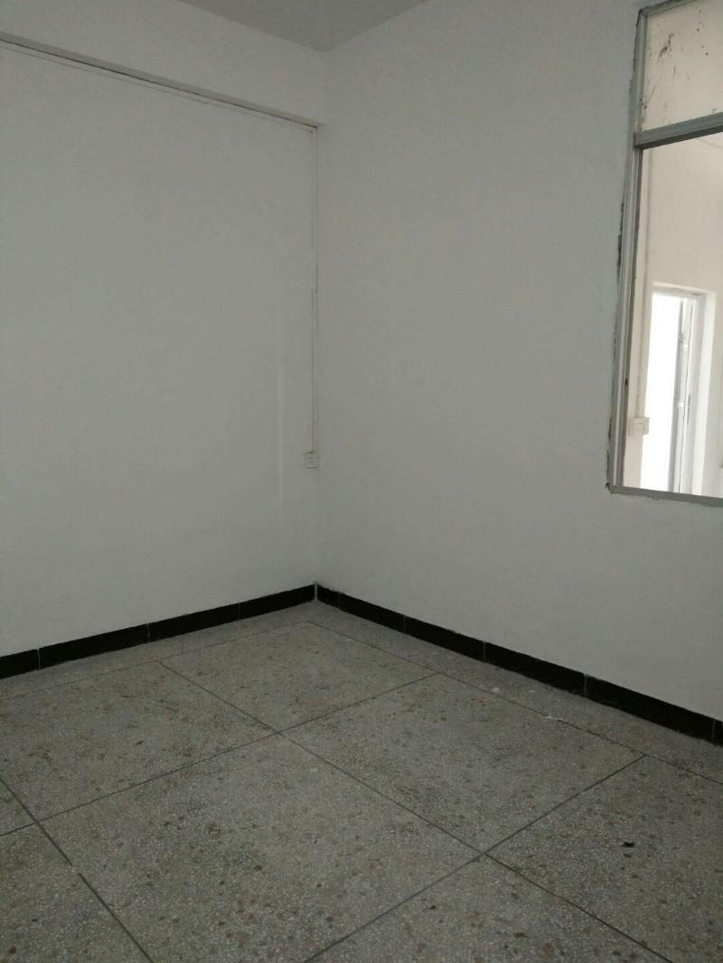 (租房)陆厝围私人楼,3楼,2房2厅,没有配套,有阳台,陆厝围
