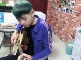 龙岗中心城里有卖吉他的 乐器店 琴行 龙岗中心城学习吉他