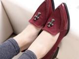 2014春款新品英伦风简约金属十字架尖头单鞋粗跟鞋中跟女鞋