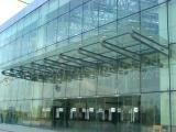 上海玻璃雨棚施工安装,钢结构玻璃雨棚现场