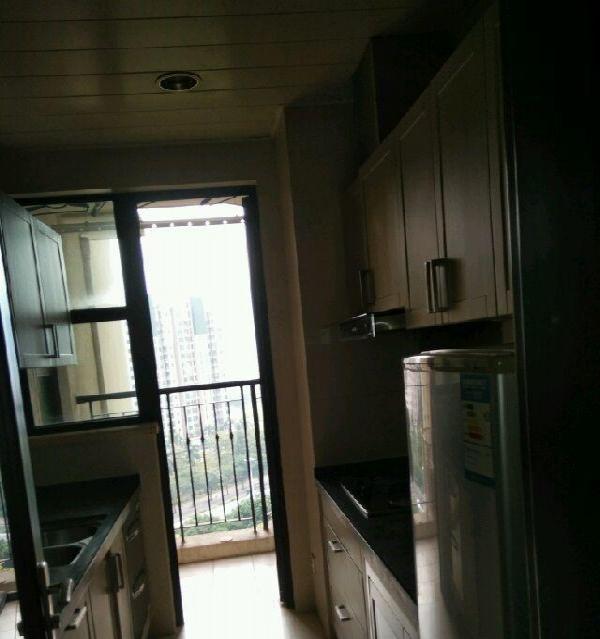 业主直租新城四期 2室2厅1卫家私家电齐全楼层11楼