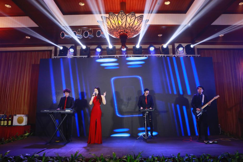 一手乐队/歌手/主持,承接深圳及周边地区各类演出 驻场