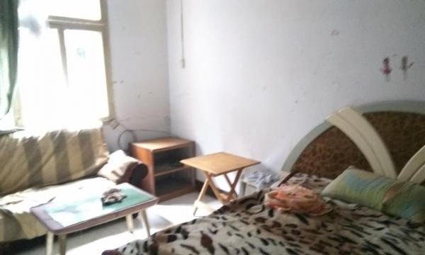 乐山港较场坝 简装一室一厅一卫 拎包入住