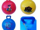 批发儿童卡通手柄球 pvc充气皮球 玩具拍拍球 厂家直供 地摊热