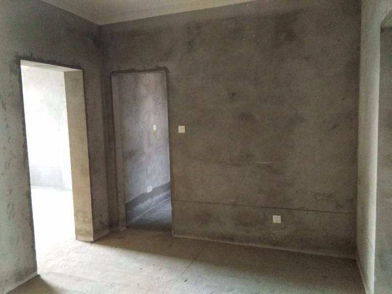 康泰花苑 2室 1厅 89平米送库房59万 出售