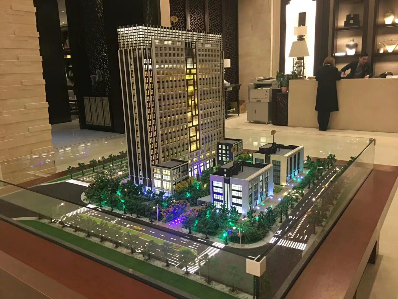龙湖天街旁地铁高沙站50米可做重餐饮 周边小区固定30万人消