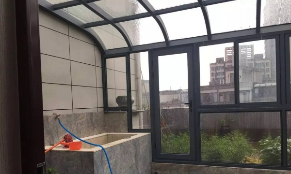 急售国鑫小区,6+7复式,精装潢,户型极好,交通便利。