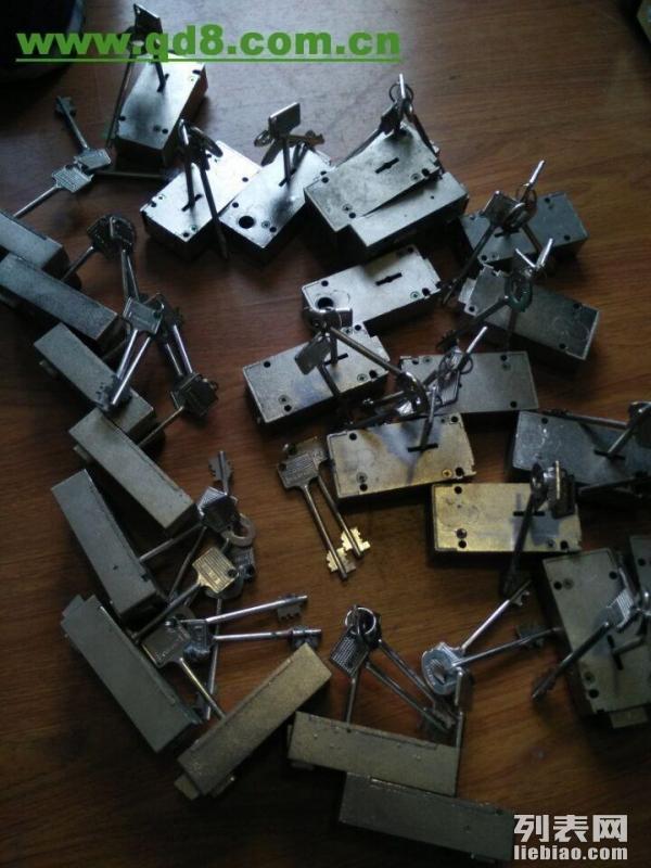 迪堡保险箱兰州维修开锁电话0931 4152987