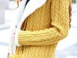 秋冬新款韩版牛角扣毛毛球夹绒加厚长款毛衣