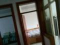 出租 六师路口 平房两间 简单家具 空调 太阳能