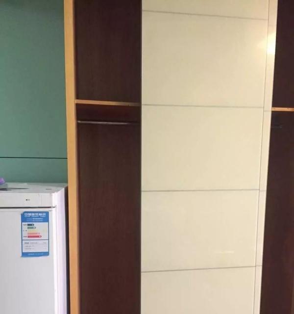 北海公寓 提包入住 1200/月